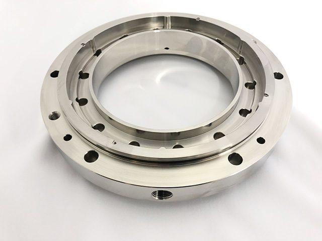 ステンレス316(L)をはじめ、チタン・ハステロイ・インコネル等の難削材への高精度加工