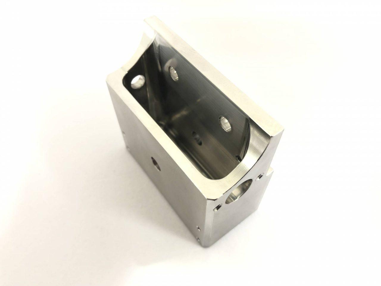 ステンレス316L製旋盤加工品‐カバー‐